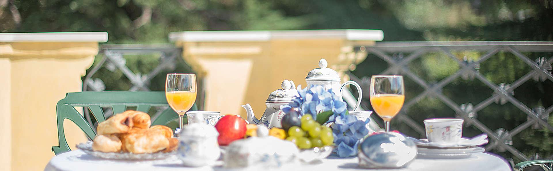 Succombez au luxe d'une villa du XXe siècle près de Barcelone