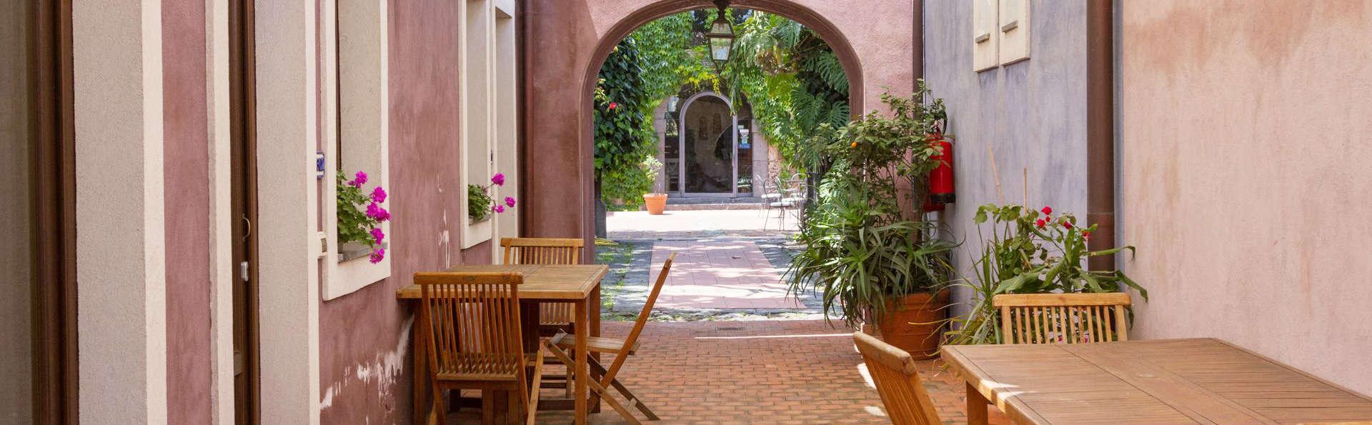 Etna Hotel - edit_terrace.jpg
