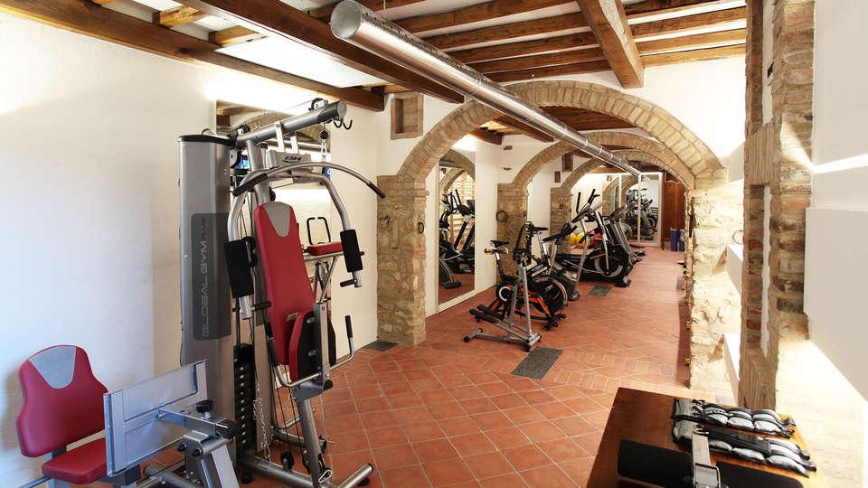 Hotel Sovestro - edit_fitness2.jpg
