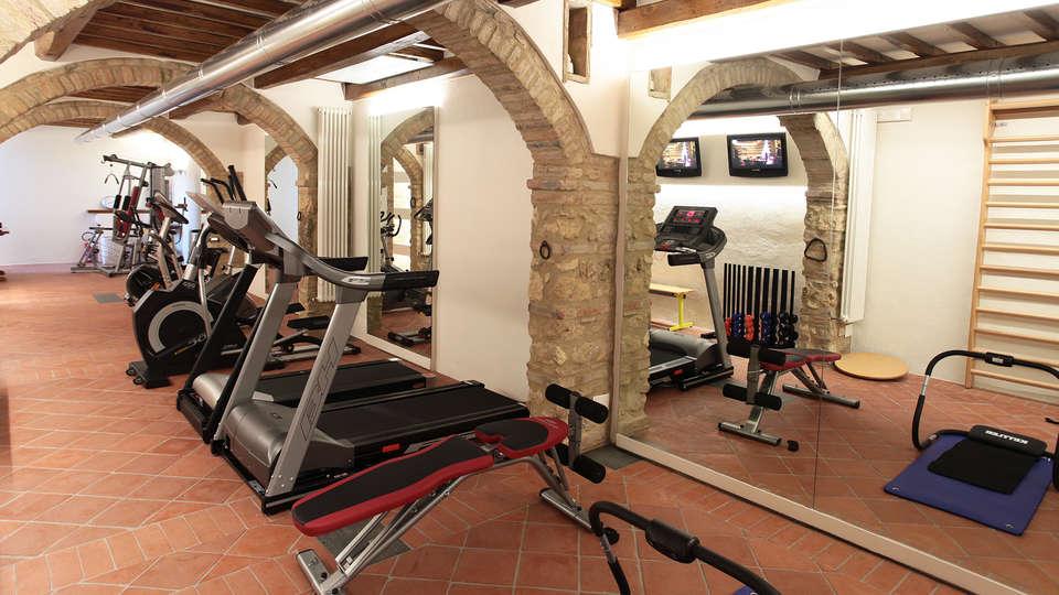 Hotel Sovestro - edit_fitness.jpg