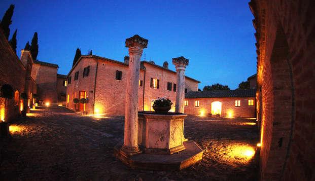 Weekend romantico con spa in bellissimo castello in Toscana