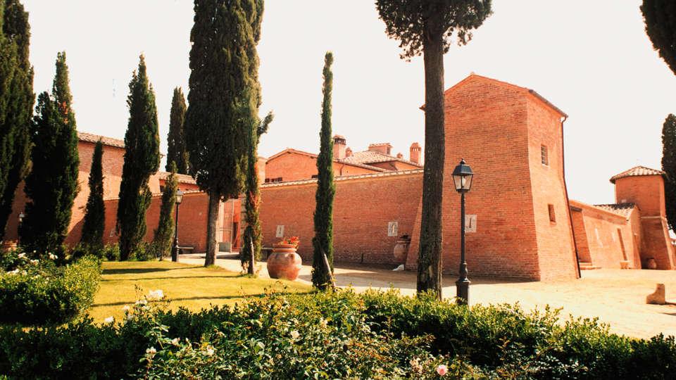 Castello di Leonina Relais - edit_garden.jpg