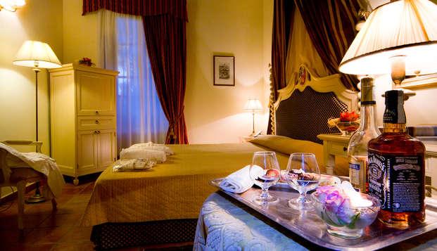 Weekend romantico in Suite con Vasca Idromassaggio privata in un castello toscano