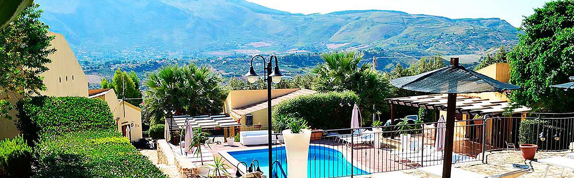 Hotel Grotticelli - edit_garden1.jpg
