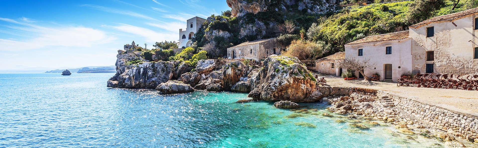 Détente en Sicile avec entrées à Baia le Grotte et demi-pension (à partir de 3 nuits)