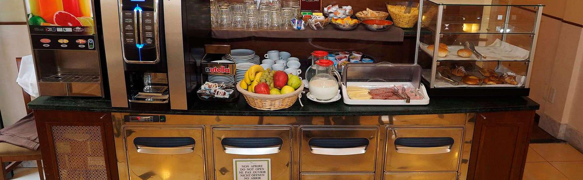 Osimar Hotel - EDIT_breakfast2.jpg