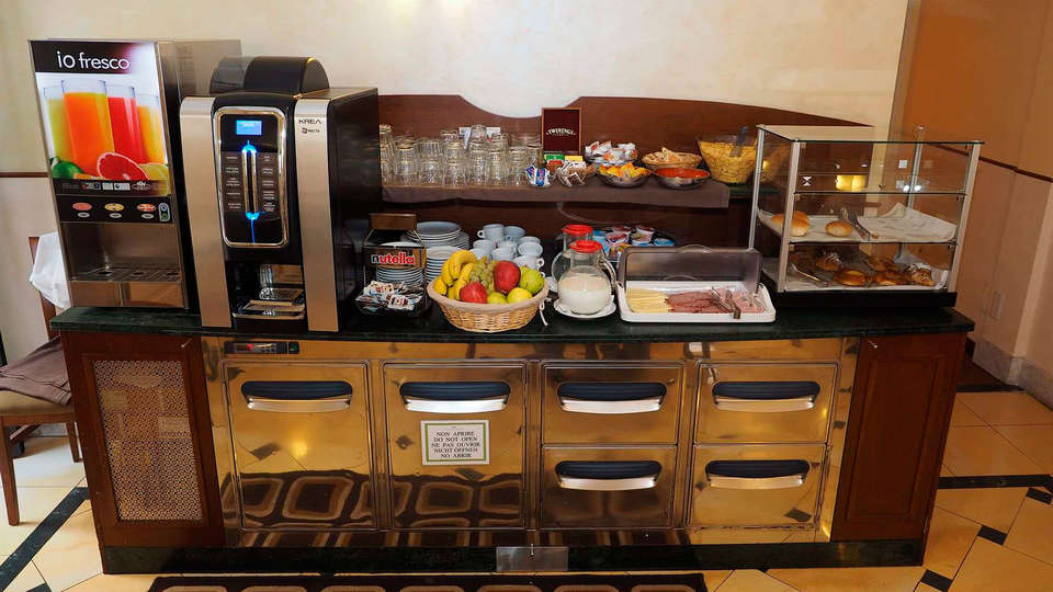 Osimar Hotel - EDIT_breakfast2.jpg