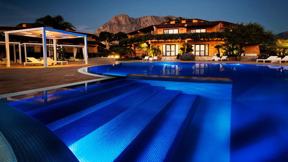 Magaggiari Hotel Resort - edit_pool2.jpg