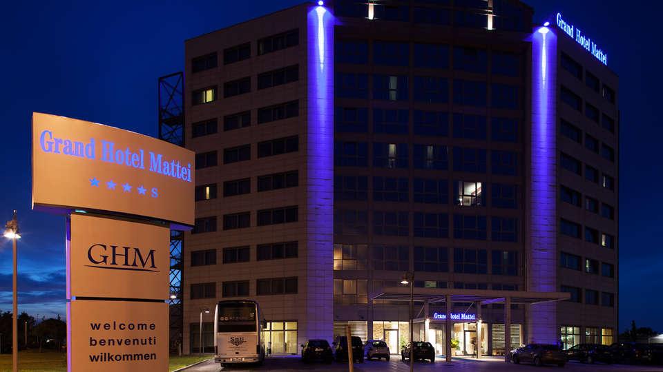 Grand Hotel Mattei - EDIT_ESTERNO.jpg
