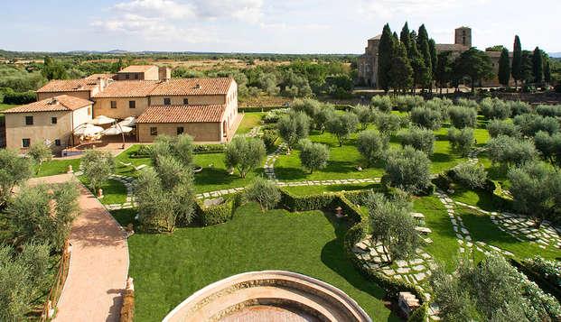 Découvrez ce beau village de la Toscane et profitez d'un savoureux dîner