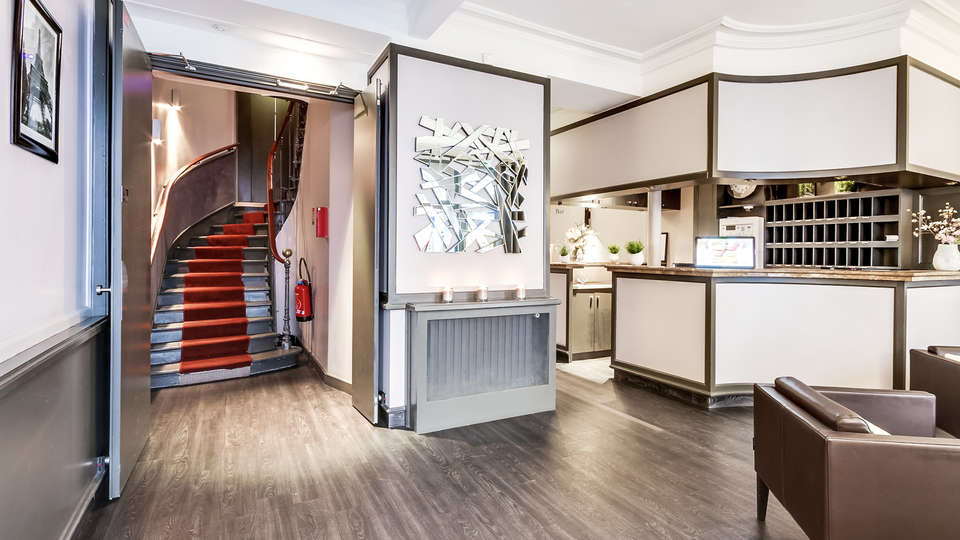Best Western Paris Gare Saint Lazare - edit_reception.jpg