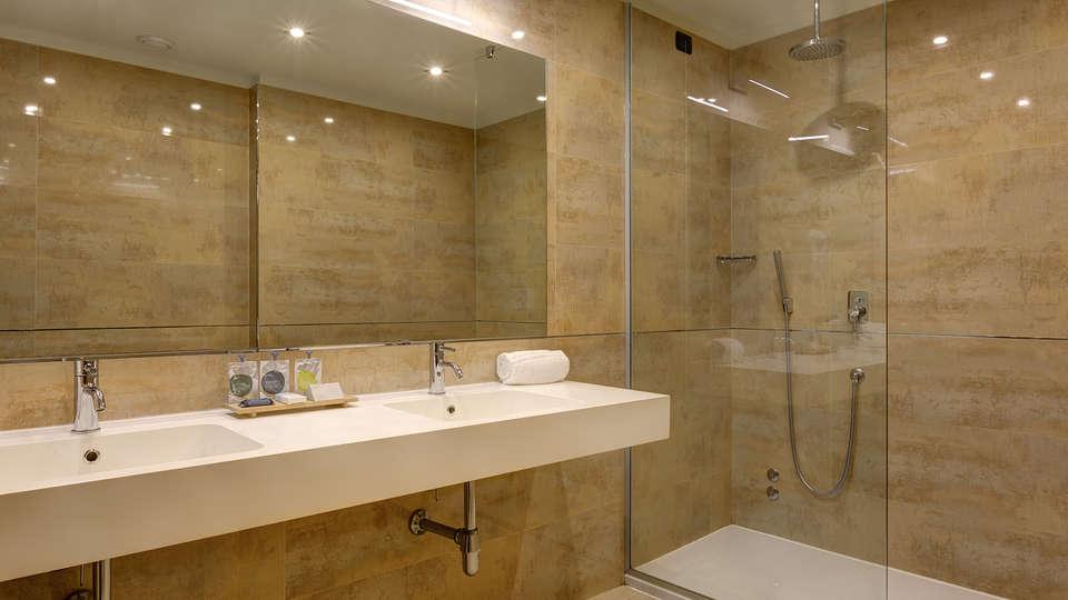 Klima Hotel Milano Fiere - edit_bathroom.jpg