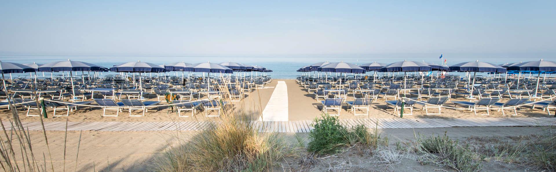 Park Hotel Marinetta - edit_beach.jpg