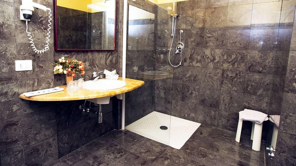 Grand Hotel Tamerici&Principe - edit_bath.jpg