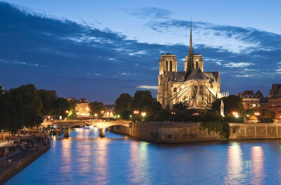 Le 10 Bis Hôtel - Notre_Dame__Paris_112809306.jpg