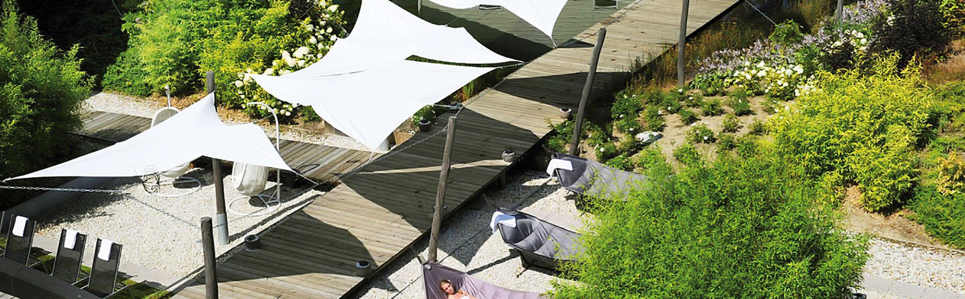 Amadore Hotel Restaurant De Kamperduinen - EDIT_garden_relax.jpg