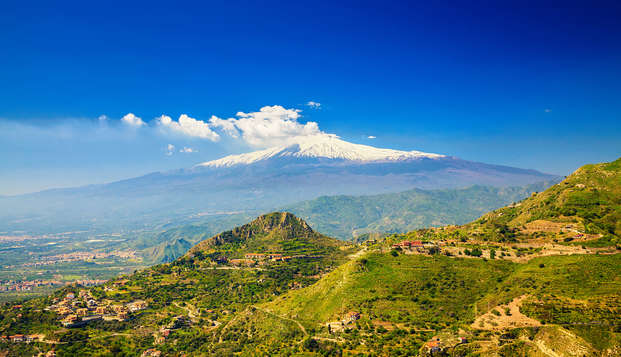 In un elegante resort 4* alle pendici dell'Etna