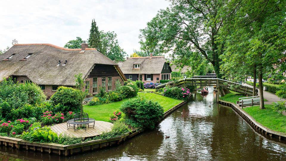 Fletcher Hotel-Restaurant De Eese-Giethoorn - EDIT_canal.jpg