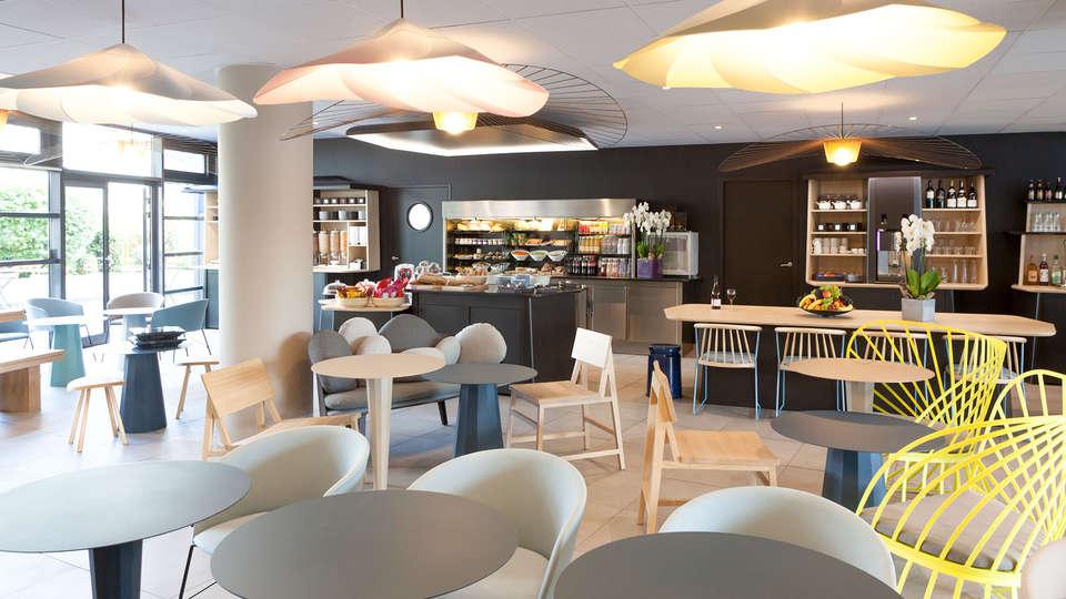 Novotel Suites Paris Montreuil Vincennes - edit_lobby1.jpg