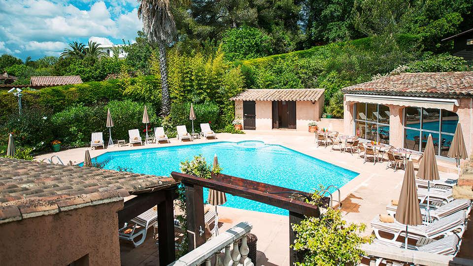 Castel Provence - edit_piscine.jpg