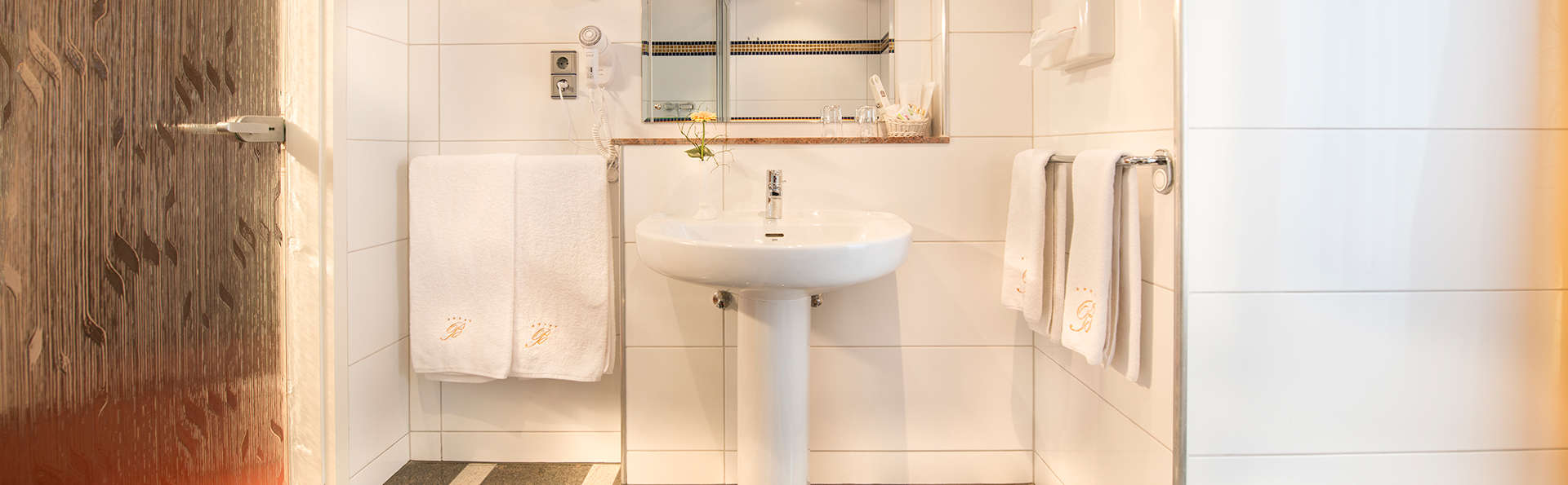Bellevue Rheinhotel - EDIT_bathroom.jpg
