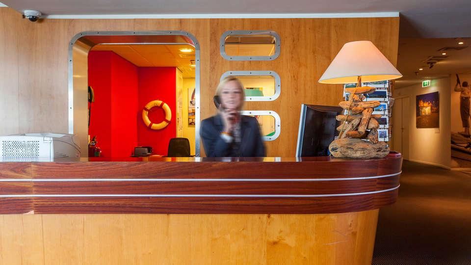 Delta Hotel Vlaardingen - edit_reception.jpg