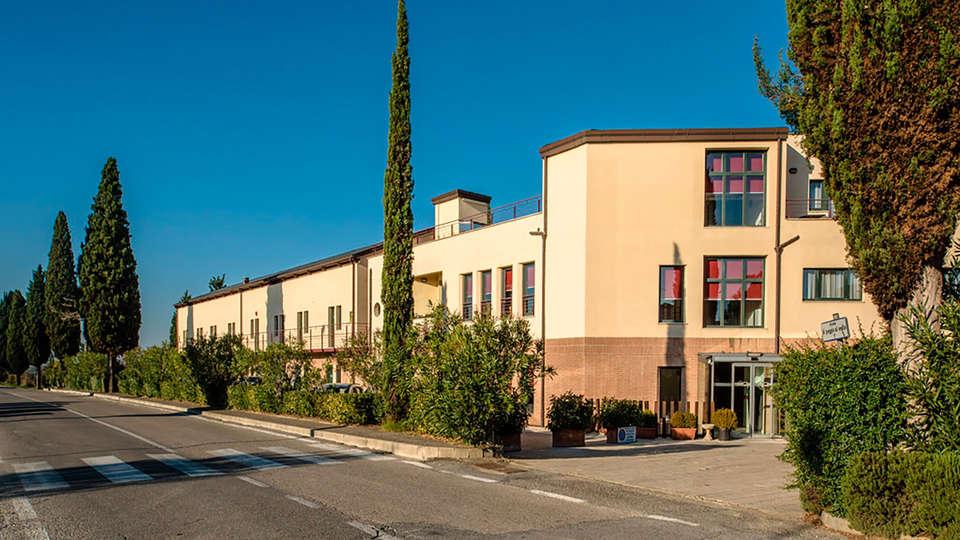 Hotel Montaperti - edit_front1.jpg