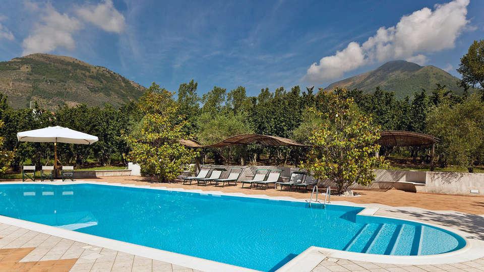 Villa Rizzo Resort & SPA - EDIT_pool2.jpg