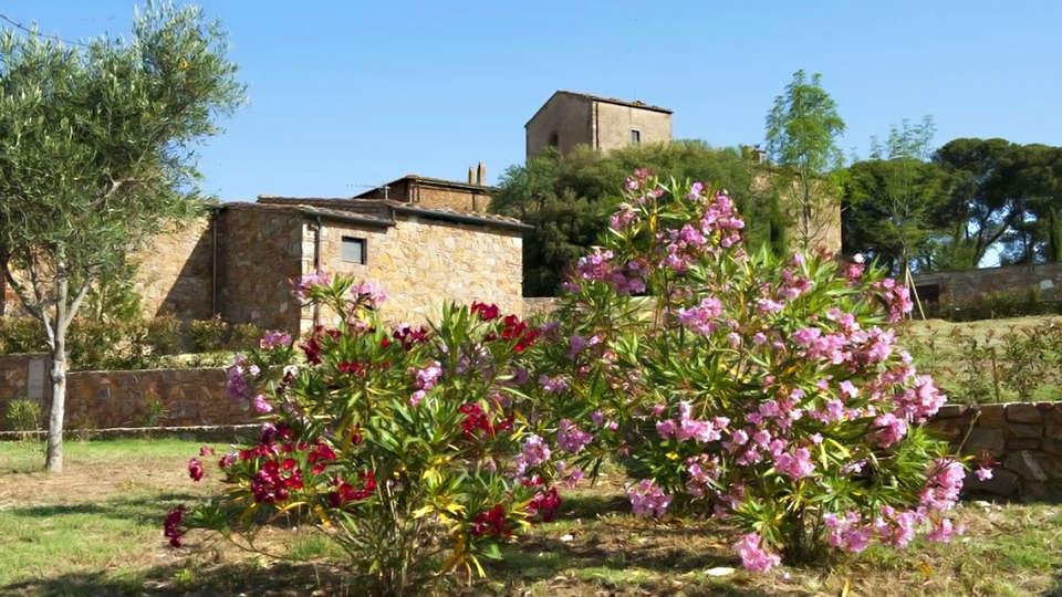 Antico Borgo Casalappi - edit_garden2.jpg