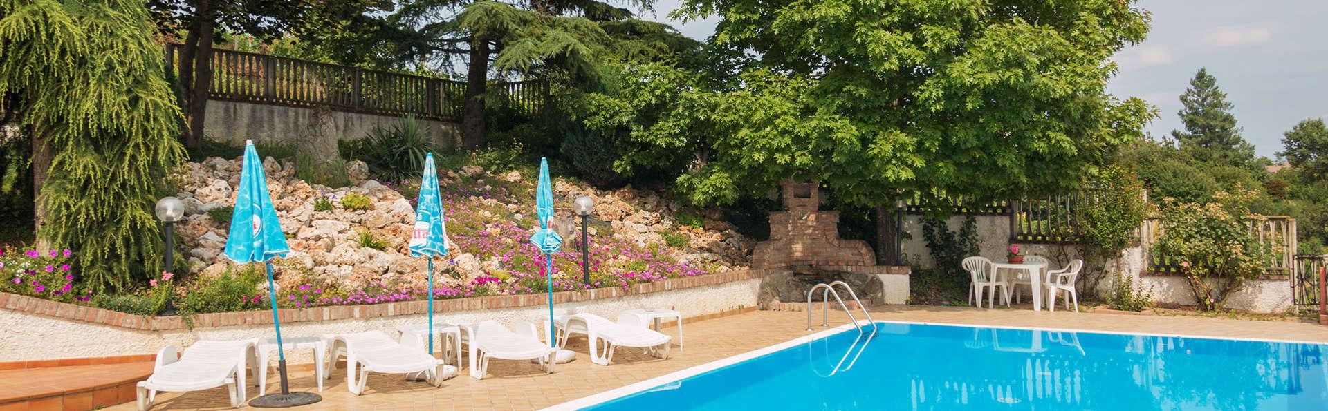 Hotel Belvedere - edit_Piscina-2.jpg