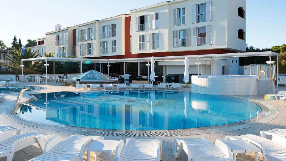 Hotel Marko Polo - edit_Hotel_Marko_Polo_Swimming_Pool_16.jpg