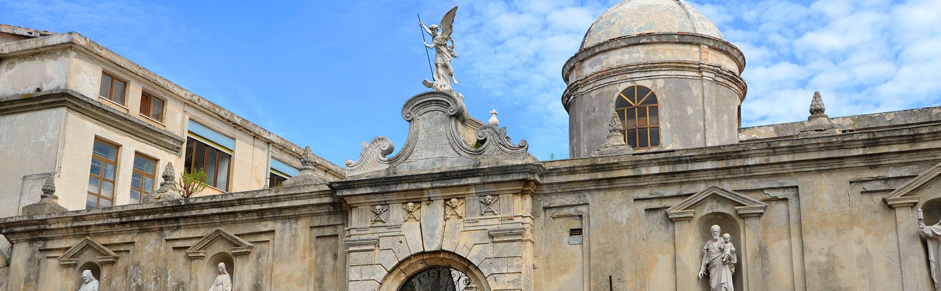 Hotel Pineta - edit_shutterstock_185304716_VICO-DEL-GARGANO.jpg
