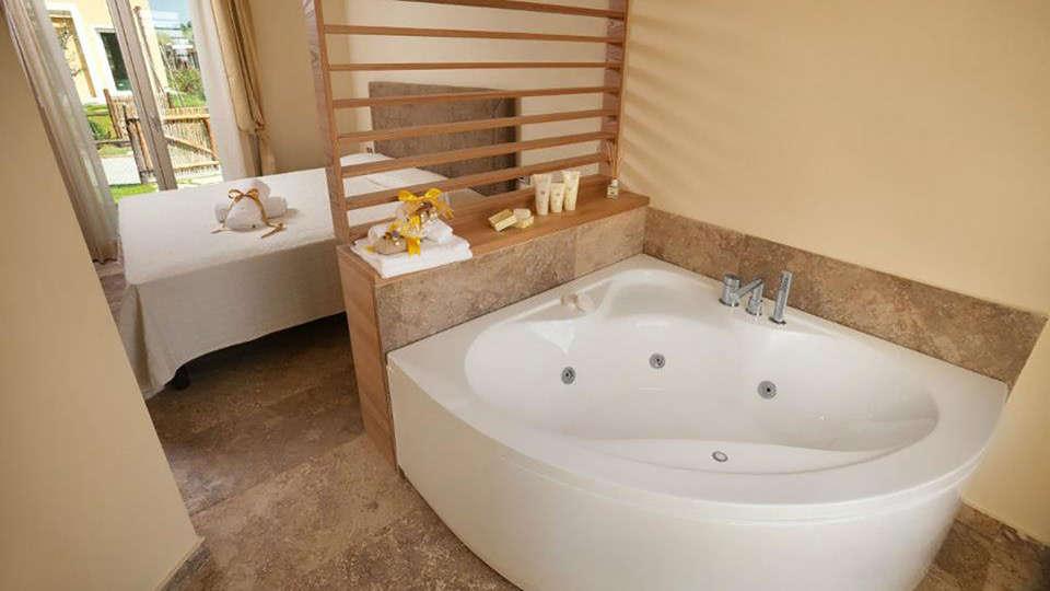 Toscana Biovillage - edit_bath.jpg