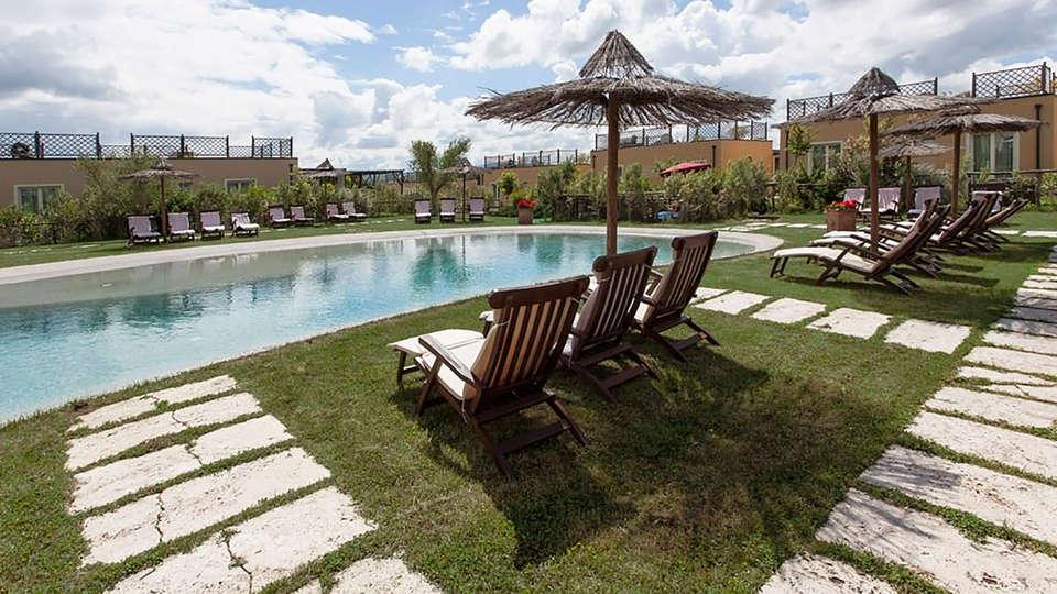 Toscana Biovillage - edit_pool2.jpg