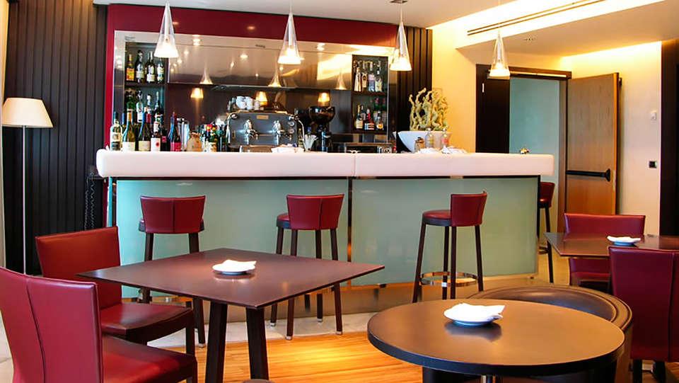 Papillo Hotels & Resorts Roma - edit_bar1.jpg