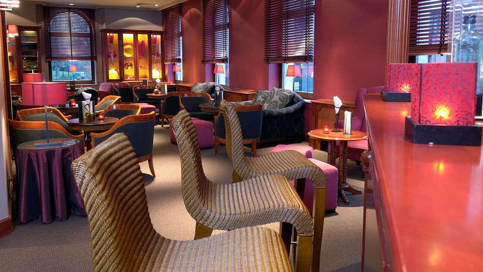Martin's Grand Hotel - edit_BAR.jpg