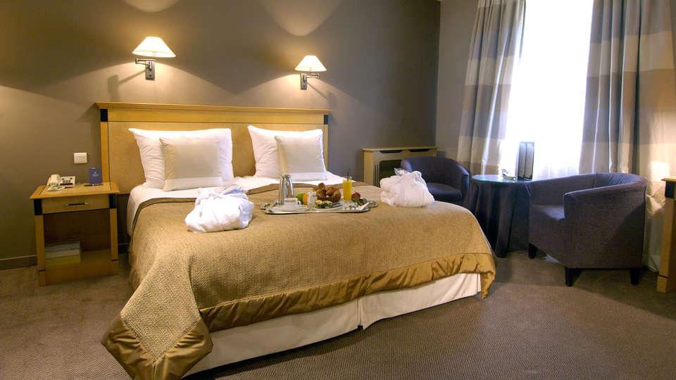 Martin's Grand Hotel - edit_room2.jpg