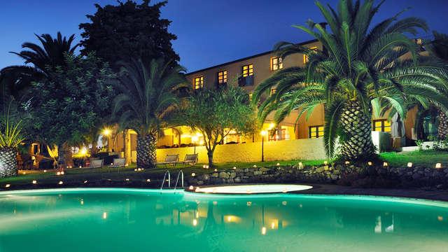 Soggiorno ad Alghero con piscina e lettini