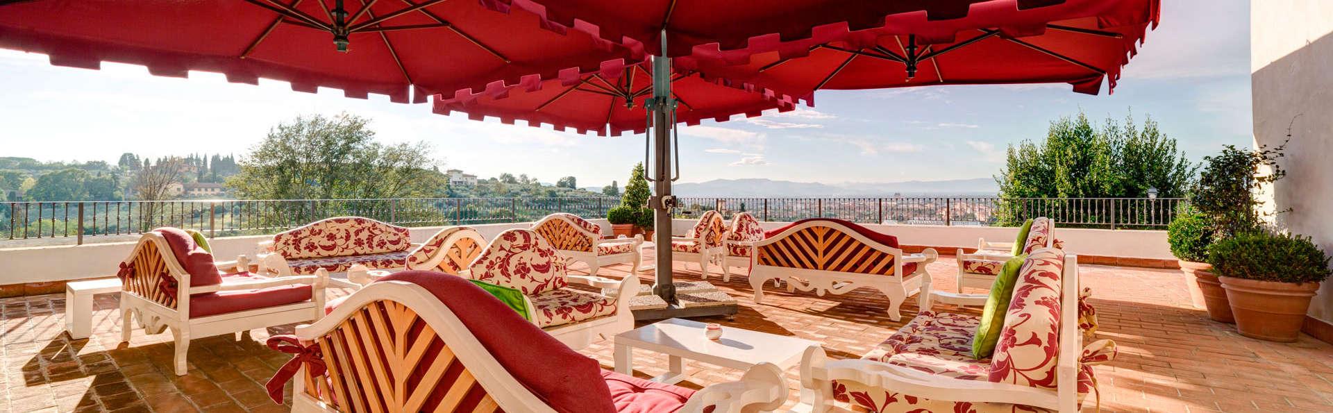 Week-end romantique dans la suite d'une villa au-dessus de Florence, avec dîner et massage