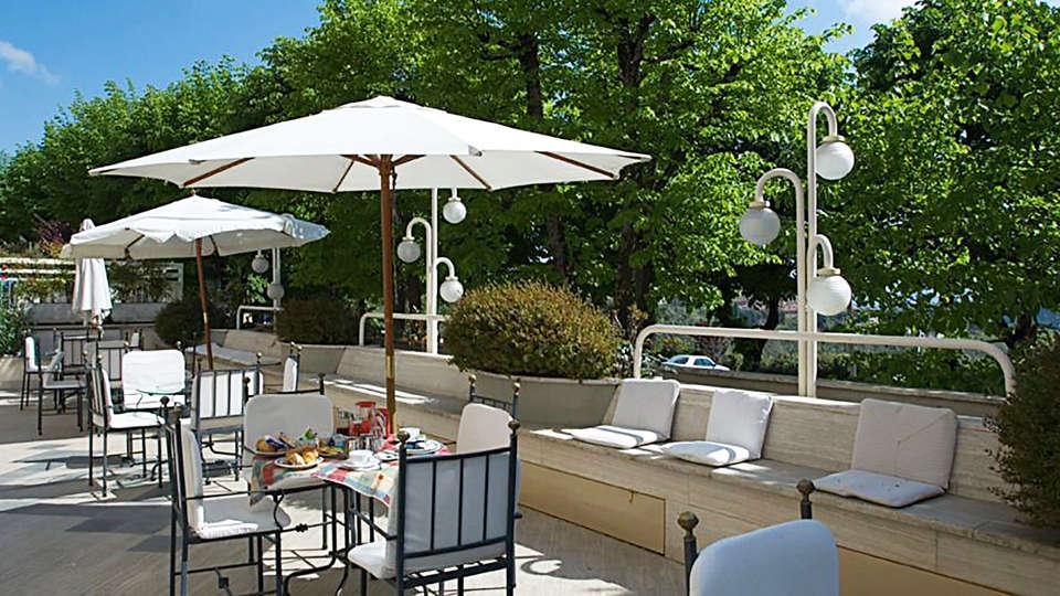 Hotel Miralaghi - edit_terrace.jpg