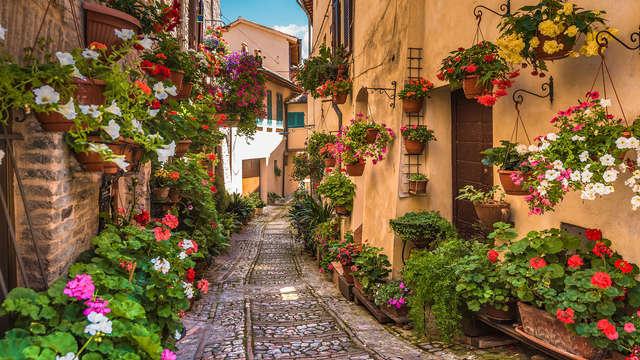 Scopri il cuore dell'Umbria: Spello romantica e medievale