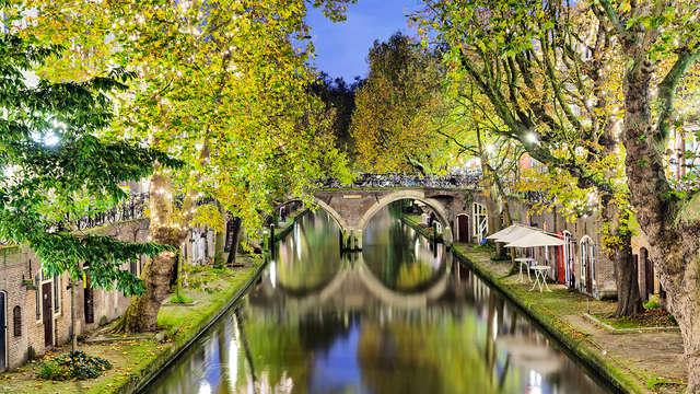 Verblijf in een prachtig theater en ontdek Utrecht vanaf het water