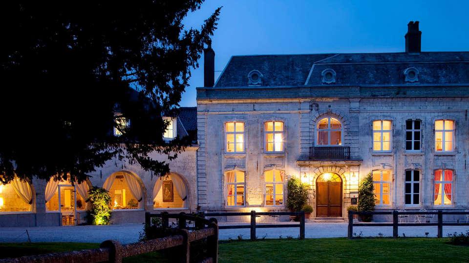 Château de Cocove - EDIT_front.jpg