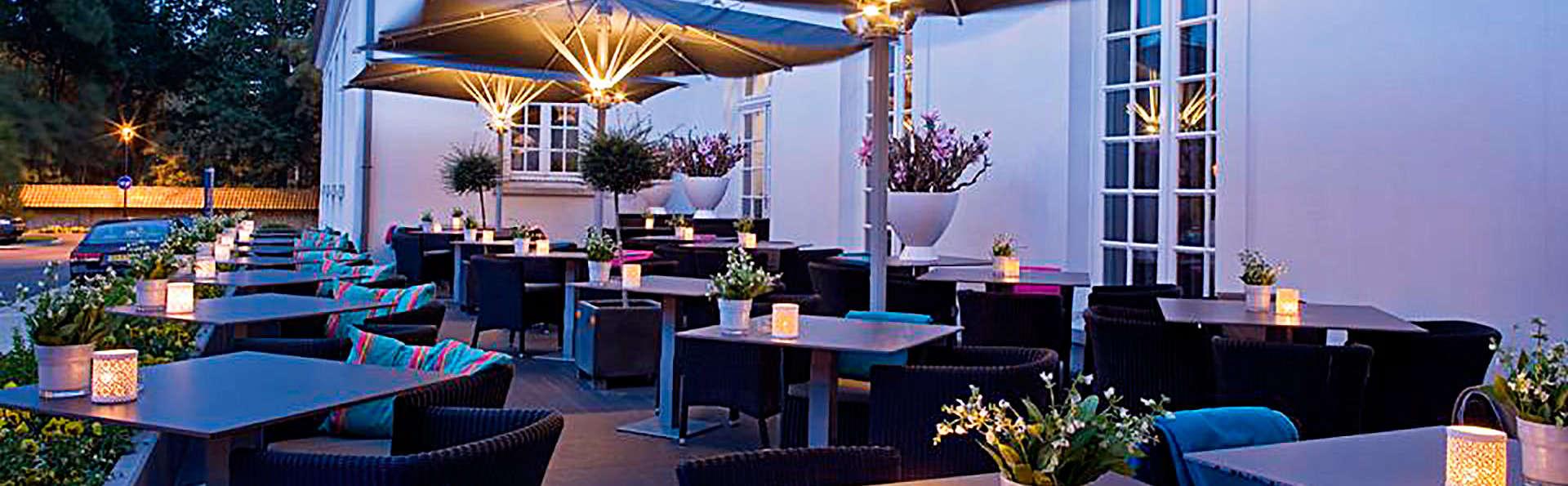 Hotel Van der Valk Brugge Oostkamp - edit_terrace.jpg