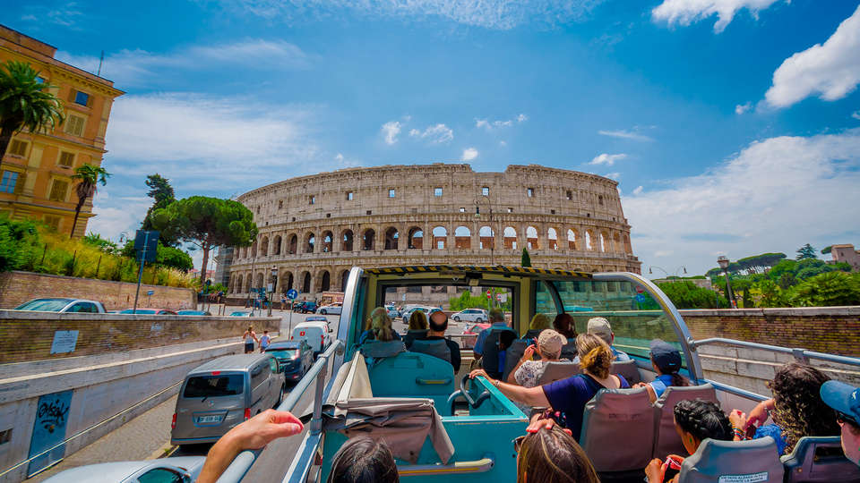 Hotel Trevi Collection - EDIT_tourist_bus_rome.jpg