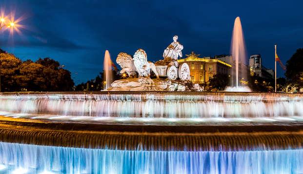 Paseo en bus turístico por los rincones más bellos de Madrid