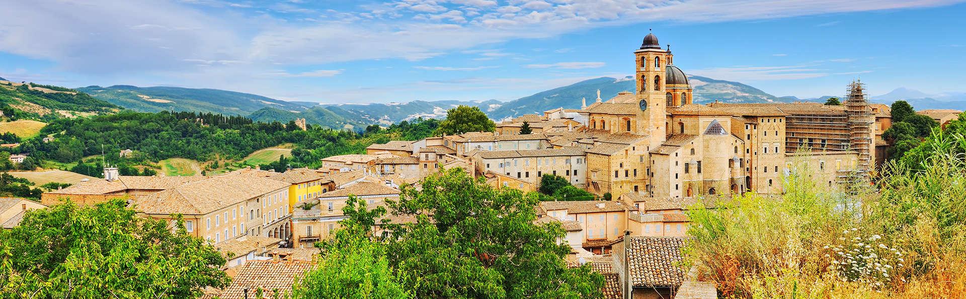 Urbino Resort - Tenuta Santi Giacomo e Filippo - edit_Fotolia_55236069_urbino.jpg