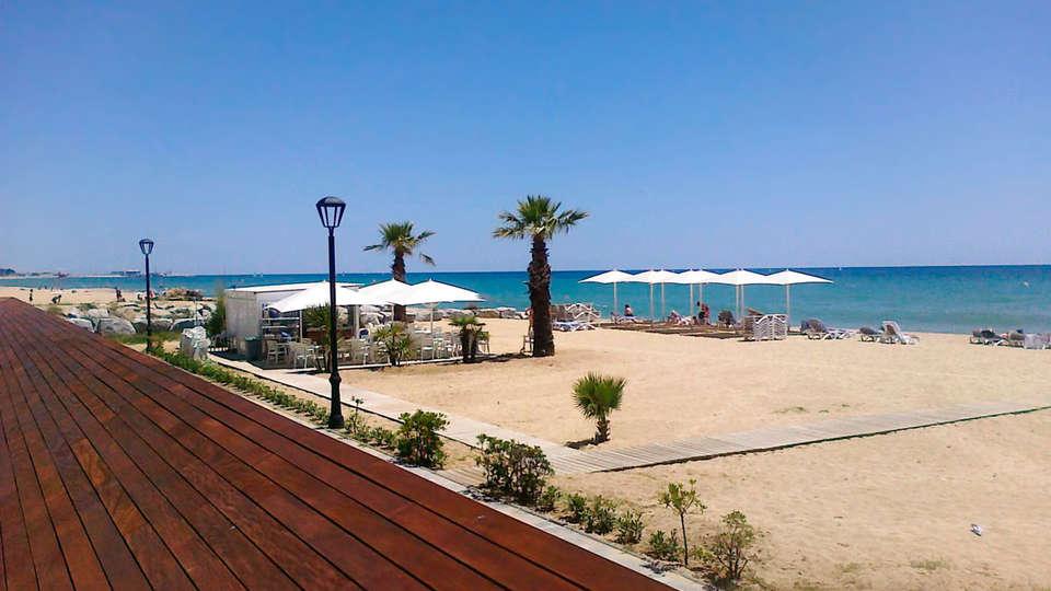 Hotel Colón Thalasso Termal - edit_beachclub.jpg