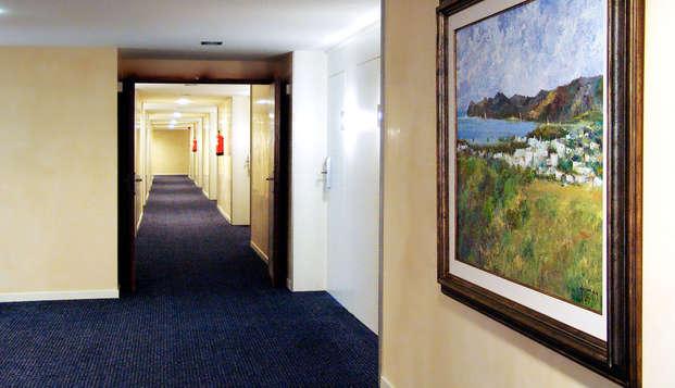 Hotel Colon Thalasso Termal - pasillo