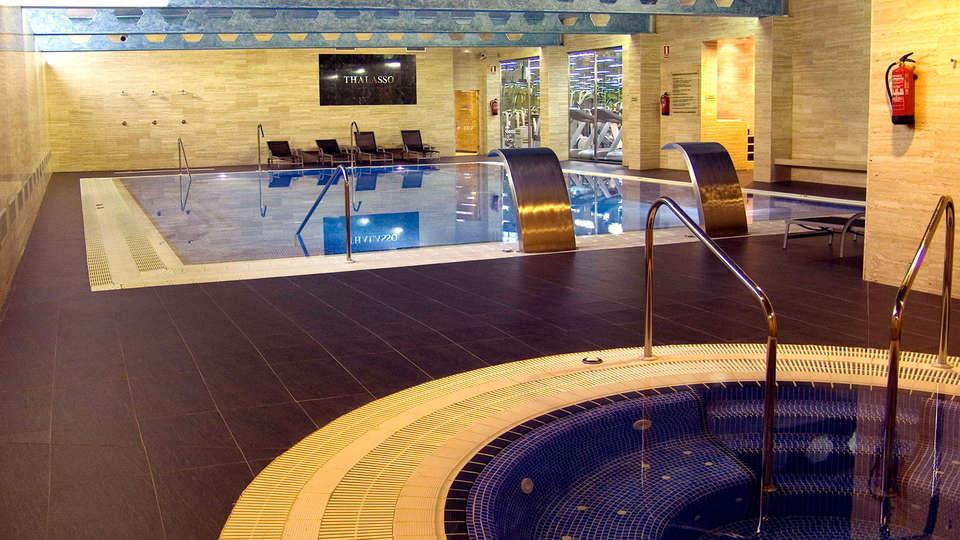 Hotel Colón Thalasso Termal - edit_pool1.jpg